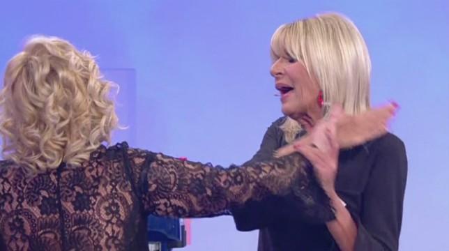 Uomini e Donne, trono over: duro scontro tra Gemma e Tina