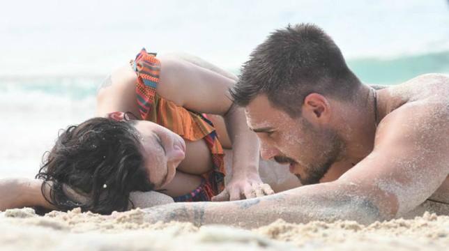 Isola dei Famosi 2018: Paola consola Francesco Monte in lacrime