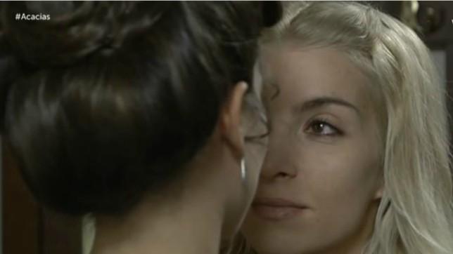 Anticipazioni Una Vita 9 febbraio 2018: Cayetana bacia Teresa sulla bocca