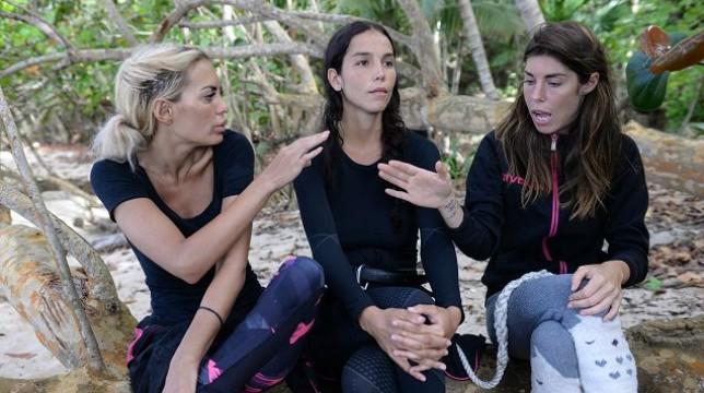 Isola dei Famosi 2018: Paola Di Benedetto ed Elena Morali contro Bianca Atzei