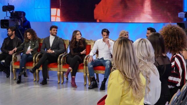 Uomini e Donne, trono classico: Nilufar furiosa con Lorenzo, ospiti Paolo Crivellin e Angela Caloisi
