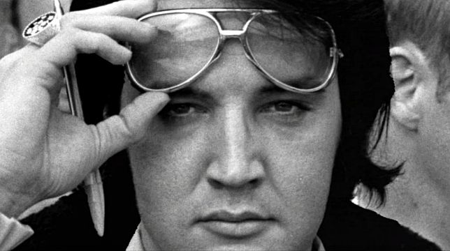 Il Re è ancora vivo: il trailer del documentario Elvis Presley: The Searcher