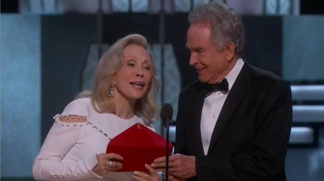 Warren Beatty e Faye Dunaway richiamati per annunciare l'Oscar per il miglior film