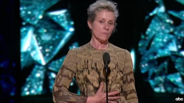 Frances McDormand, Oscar come miglior attrice, fa alzare le donne in sala