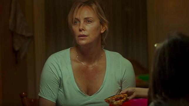 Tully: ecco il trailer del film con Charlize Theron mamma stressata