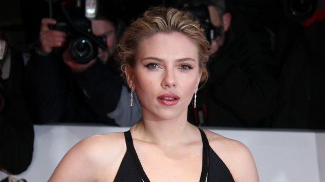 Scarlett Johansson in Jojo Rabbit, nuovo film di Taika Waititi