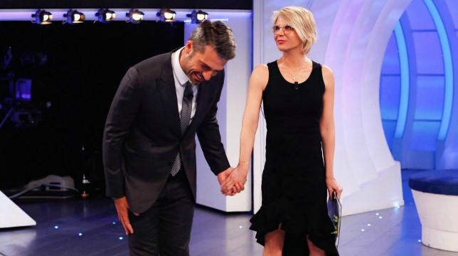C'è Posta Per te, settima puntata: stasera ospiti Luca Argentero ed Emma