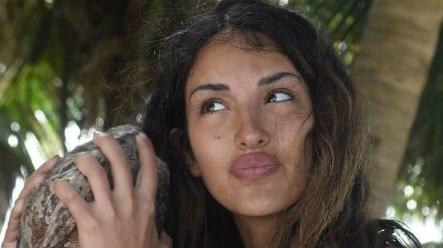 """Isola dei Famosi 2018, Rosa Perrotta: """"Alessia, Bianca e Nino? Sono una setta"""""""