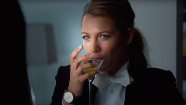 Blake Lively scompare e Anna Kendrick la cerca nel trailer di A Simple Favor