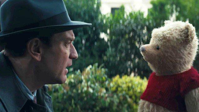 In Ritorno al bosco dei 100 acri, Christopher Robin ormai adulto ritrova l'amico d'infanzia Winnie The Pooh