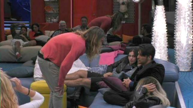 """Grande Fratello 2018, Alberto Mezzetti si scaglia contro Luigi Favoloso: """"Tu giochi con le donne. Sei un disperato"""""""