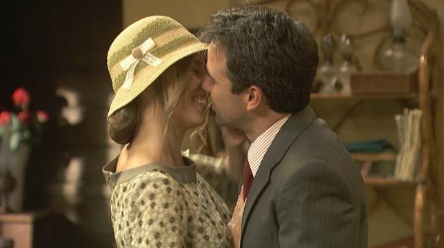 Anticipazioni Il Segreto 7 giugno 2018: Adela e Carmelo si impegnano a preparare le nozze