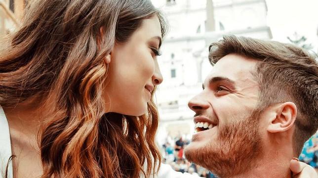 Uomini e Donne: le dediche d'amore di Giordano Mazzocchi e Nilufar Addati