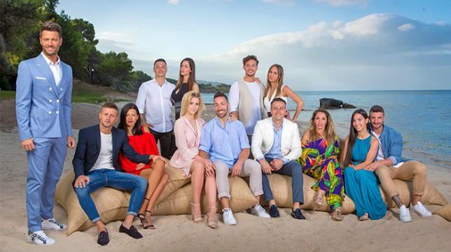 Temptation Island 2018: l'arrivo delle coppie sull'isola delle tentazioni, Ida Platano in lacrime per Riccardo Guarnieri