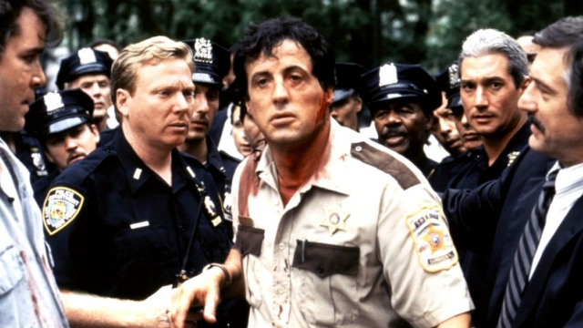 Cop Land: il film stasera su Cine Sony