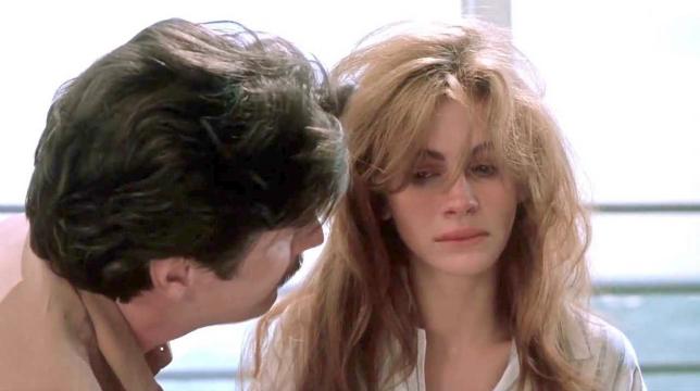 A letto con il nemico, il film con Julia Roberts stasera su Rai 3