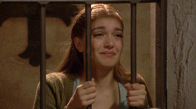 Il Segreto Anticipazioni 13 luglio 2018: Julieta prega Saul di cedere alle richieste di Francisca