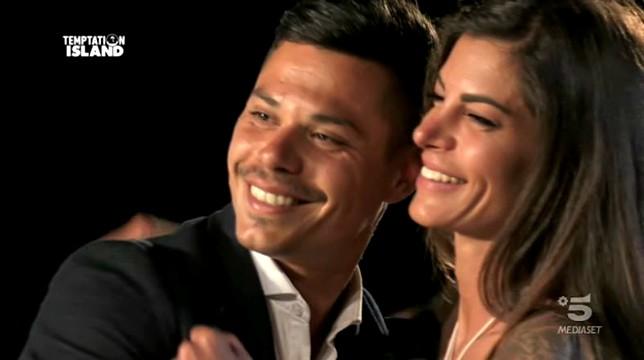 Temptation Island 2018: Francesco e Giada escono insieme dal reality, Martina bacia il single Andrea e fa infuriare Gianpaolo