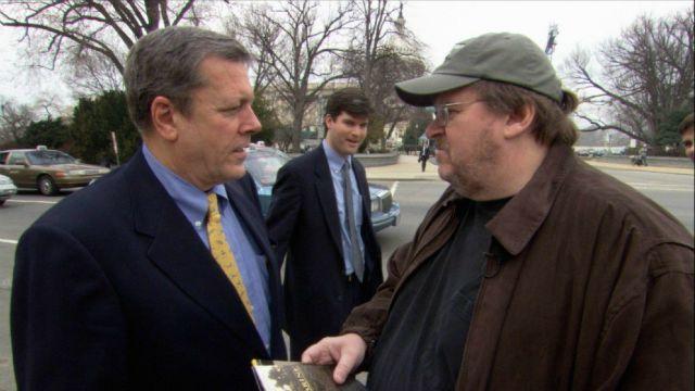 Fahrenheit 9/11: il film di Michael Moore stasera su Paramount Channel