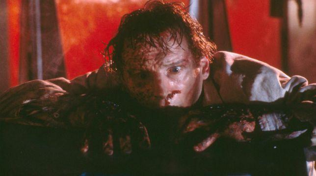 Darkman: il film di Sam Raimi con Liam Neeson stasera su Italia 2