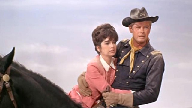 Far West: il film di Raoul Walsh oggi su Iris