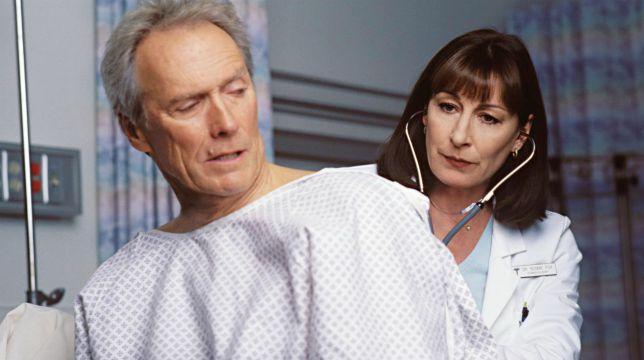 Debito di sangue: il film con Clint Eastwood stasera su Iris