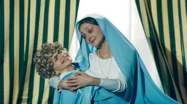 Fantozzi in paradiso: il film con Paolo Villaggio stasera su Cielo