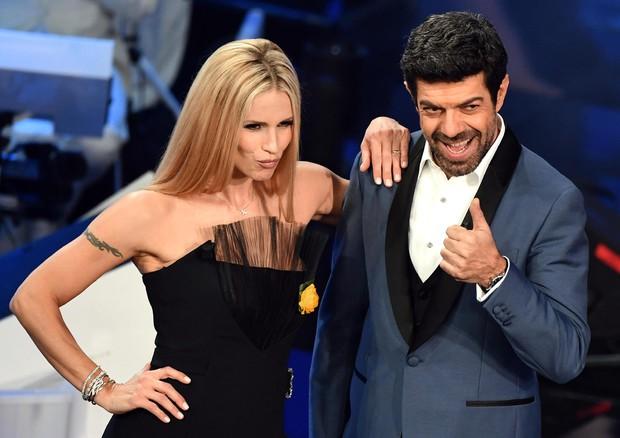 Sanremo 2019: Michelle Hunziker e Pierfrancesco Favino tra gli ospiti del Festival