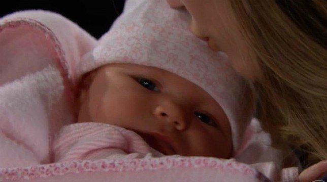 Beautiful Anticipazioni Americane: la piccola Phoebe tra le braccia di Steffy