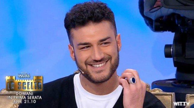 Uomini e Donne, trono classico: Lorenzo pronto per la scelta, nuovo tronista Andrea Zelletta