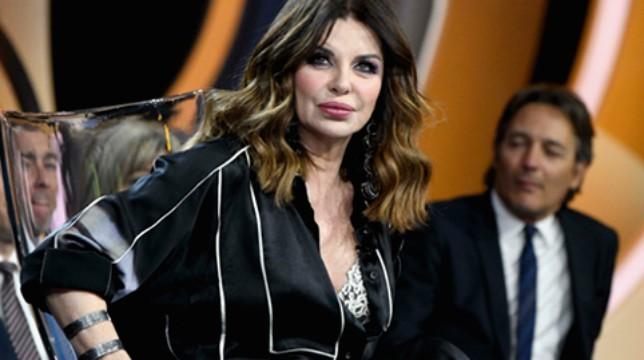 """Isola dei Famosi 2019, Alba Parietti perde il controllo in diretta poi chiarisce: """"Volevano zittirmi, non vengo rispettata"""""""