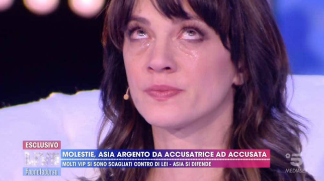 Live – Non è la D'Urso, Asia Argento si racconta: l'amore per Morgan, gli scandali e Fabrizio Corona