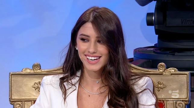 """Uomini e Donne, Angela Nasti: """"Giulia Cavaglia? Io so quello che voglio e lei non conta"""""""