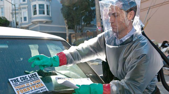 Contagion: il film con Jude Law e Matt Damon stasera su Italia 2