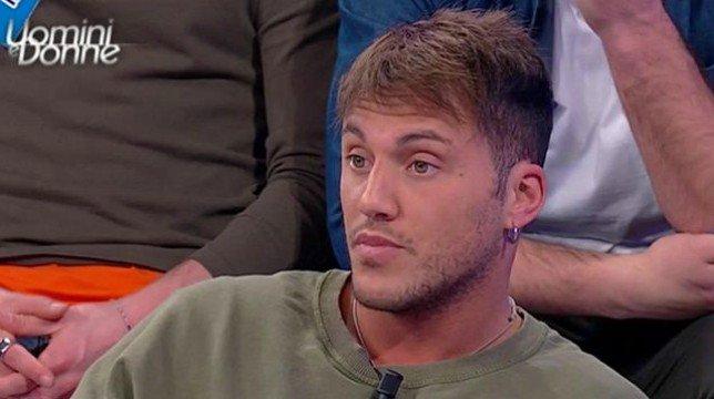 """Uomini e Donne, Giulio Raselli: """"Sono convinto di quello che provo per Giulia Cavaglia"""""""
