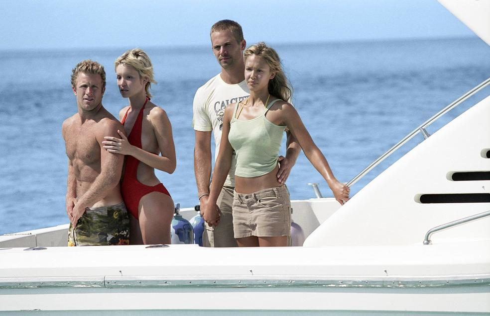 Trappola in fondo al mare: in film con Paul Walker e Jessica Alba in onda questa sera su TV8