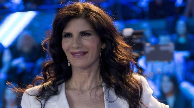 Live – Non è la D'Urso, le accuse a Pamela Prati: le nozze con Caltagirone sono una trovata pubblicitaria