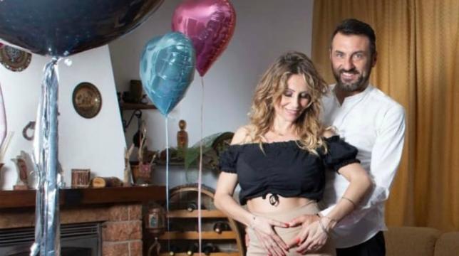 Uomini e Donne, trono over: Sossio e Ursula annunciano il sesso del nascituro, video