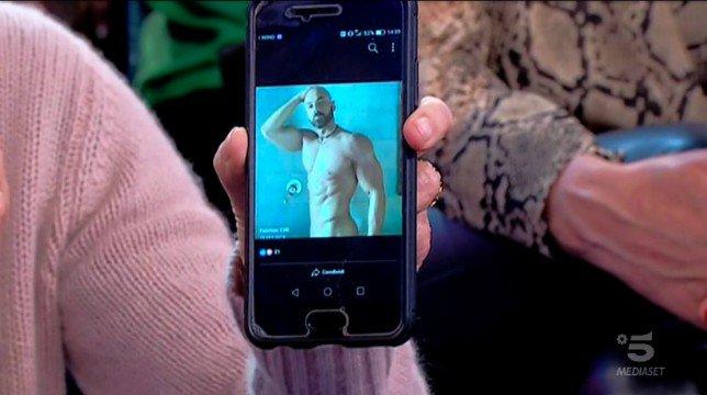 Uomini e Donne, trono over: gli scatti bollenti di Fabrizio e la foto 'agghiacciante' di Gemma Galgani