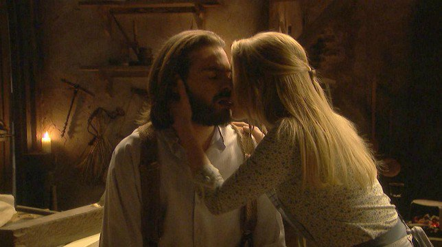 Il Segreto Anticipazioni Spagnole: Isaac e Antolina fanno l'amore