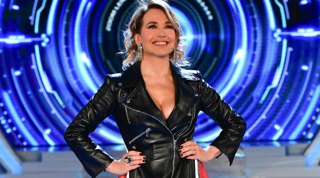 Grande Fratello, in onda stasera su Canale 5 la sesta puntata: guai in vista per Francesca De Andrè