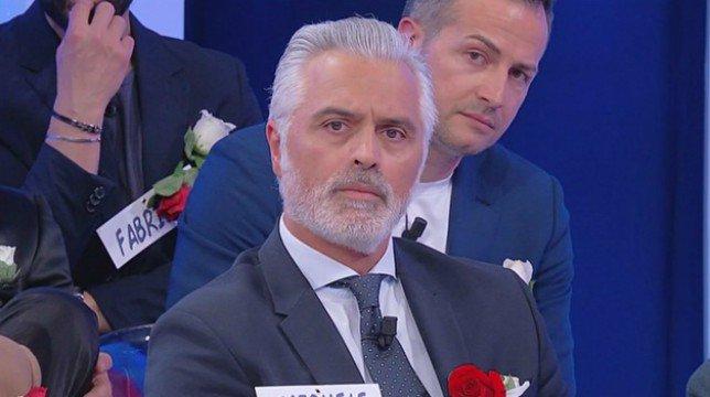 """Uomini e Donne, Michele abbandona il trono over e sbotta: """"Armando è un delinquente"""""""