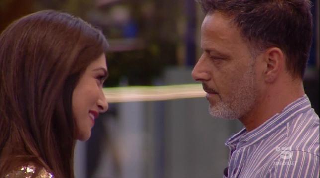 """Grande Fratello 2019, il figlio di Kikò Nalli contro Ambra Lombardo: """"Ha baciato mio padre solo per farsi pubblicità"""""""