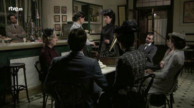 Una Vita Anticipazioni Spagnole: Cristina Novoa tradisce Ursula e la incastra insieme a Leonor
