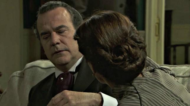 Una Vita Anticipazioni del 2 luglio 2019: Arturo mente a Silvia