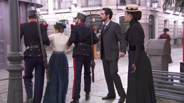 Galleria foto - Una Vita Anticipazioni Spagnole: Flora viene arrestata Foto 1