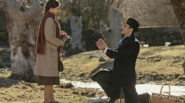 Il Segreto Anticipazioni Spagnole: Alvaro chiede a Elsa di sposarlo. Cosa risponderà?
