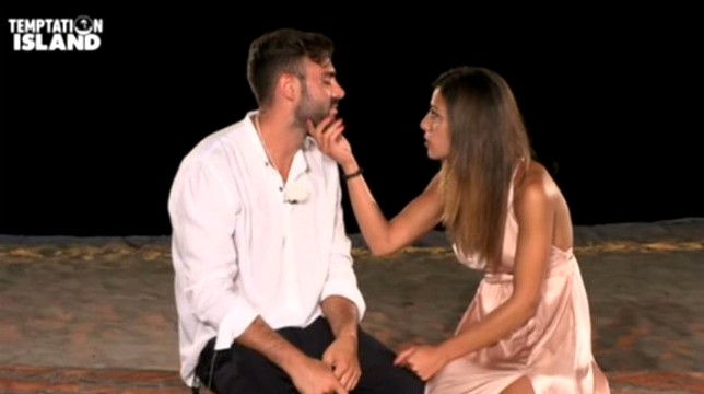 Temptation Island, terza puntata: Nunzia si dispera per Arcangelo al falò, Ilaria sconvolta da Massimo