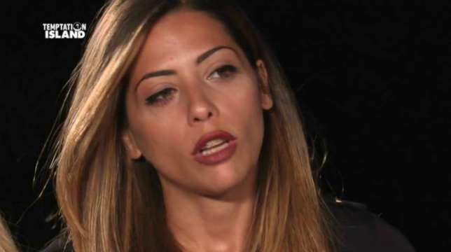 Temptation Island, anticipazioni seconda puntata: Nunzia e Arcangelo al falò di confronto, Jessica vicinissima al single Alessandro