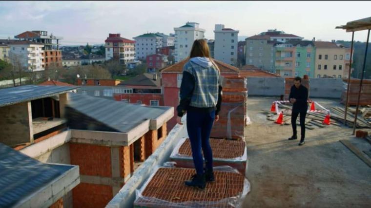 Bitter Sweet Anticipazioni Turche: Asuman vuole togliersi la vita